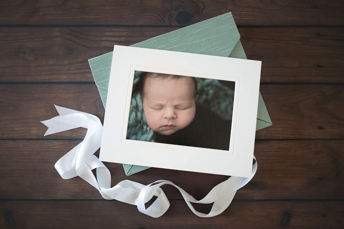Your memory box is filled with 11 x 14 mats which hold 7 x 10 prints