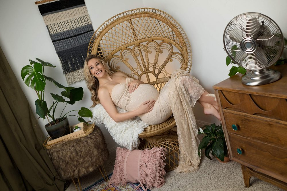 maternity photo shoot at home in a lace dress